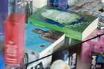 B�cher von Isabel Allende und Mussolini in einem Schaufenster in Ponte in Valtellina. Veltlin. � Patrick L�thy/IMAGOpress.com